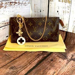 Louis Vuitton Pouch GM Crossbody